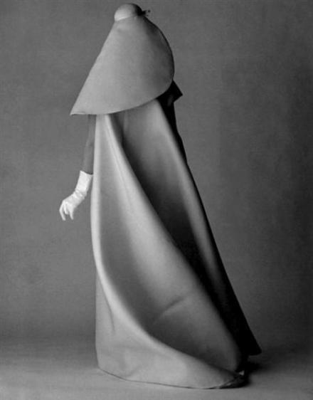 Cristobal_Balenciaga_1960s_Look